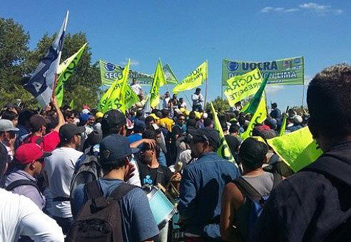 CFK visitó a trabajadores despedidos de Atucha