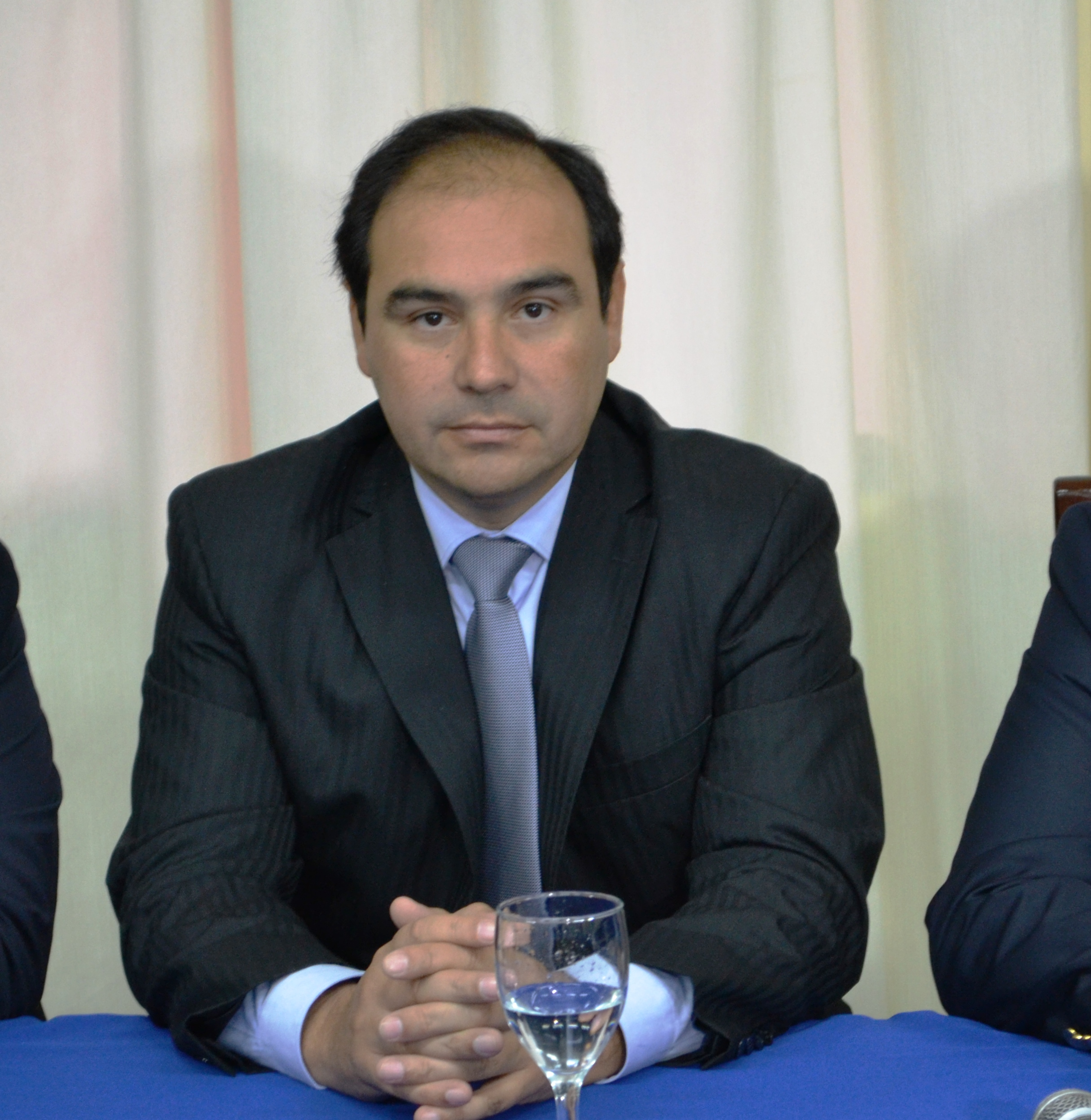 Corrientes colombi confirm a gustavo vald s como for Como se llama el ministro del interior
