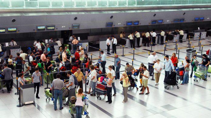 Al menos 20 vuelos cancelados en Aeroparque por una protesta de trabajadores