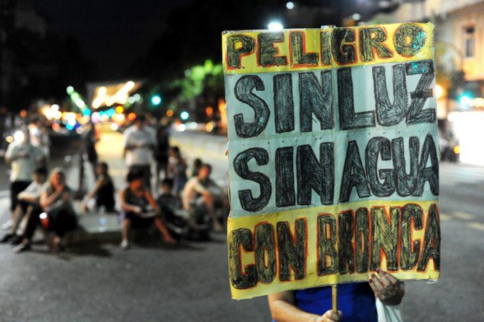 Más de 40.000 usuarios se mantienen sin luz en Buenos Aires