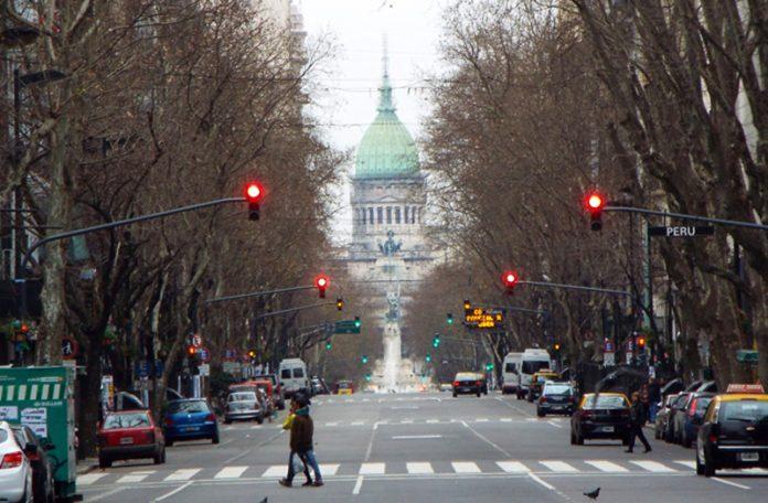 Argentina, tercera en el ranking de las economías más infelices del mundo