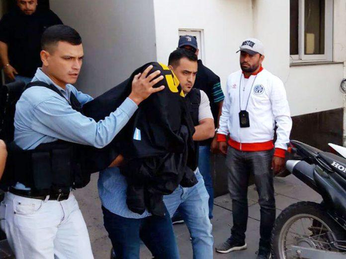 Los cuatro exfuncionarios detenidos serán indagados el próximo lunes — Investigación por corrupción