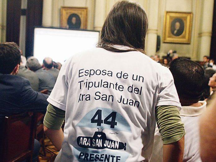 Familiares de tripulación de submarino argentino perdido denuncian pinchazos telefónicos