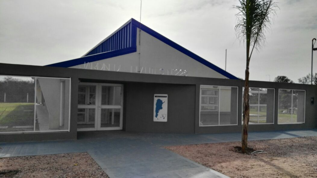 Avia terai de fiesta inauguran jard n de infantes centro for Centro de salud ciudad jardin badajoz