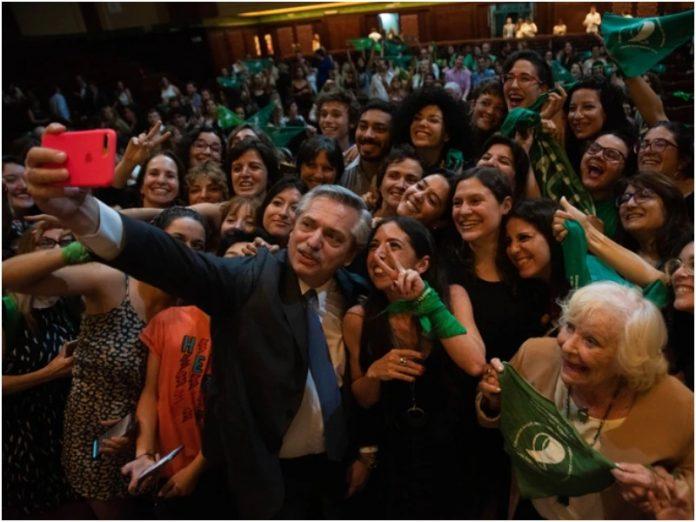 Fernández adelantó que mandará al Congreso un proyecto de legalización del aborto
