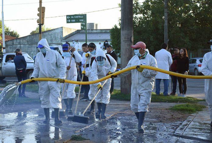 Prevención: el Municipio desplegó operativos de desinfección en barrios del sector sur de la ciudad