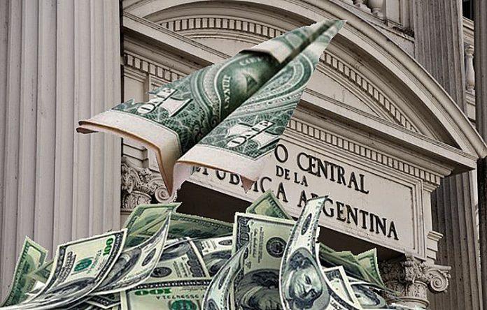Default: por la fuga de capitales, se fueron 8 de cada 10 dólares que entraron del préstamo del FMI | CHACO DÍA POR DÍA