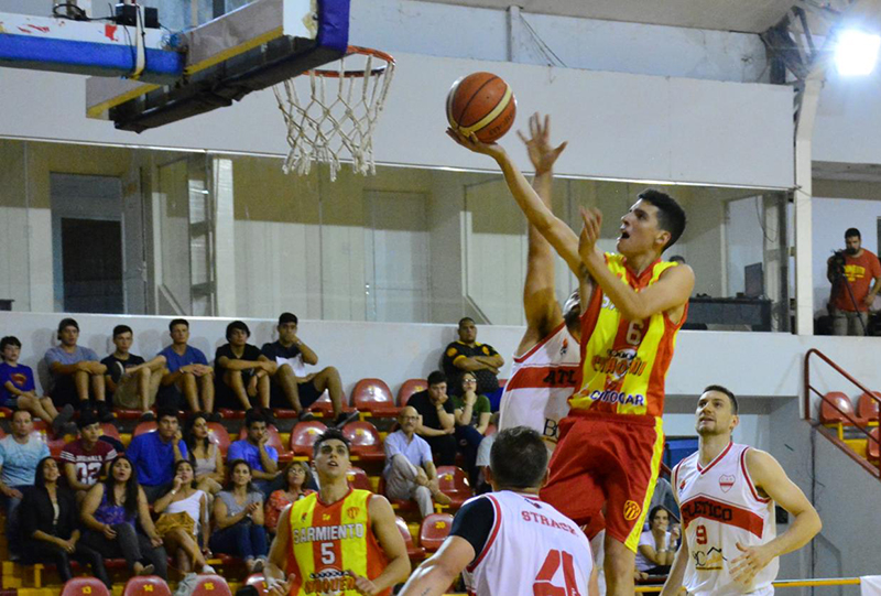 Sarmiento cosechó su primera victoria en el Torneo Federal de Básquetbol - Chaco Dia Por Dia
