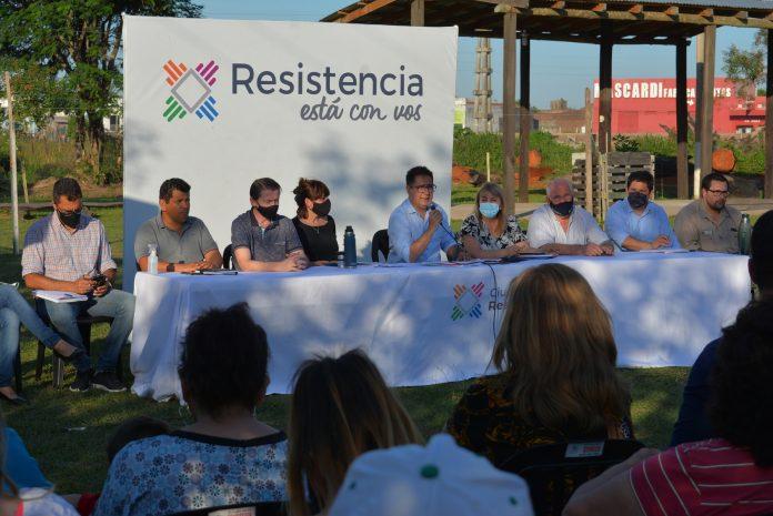 """Martínez junto a vecinos de la zona oeste: """"Es fundamental que la gente sea protagonista de la planificación"""""""