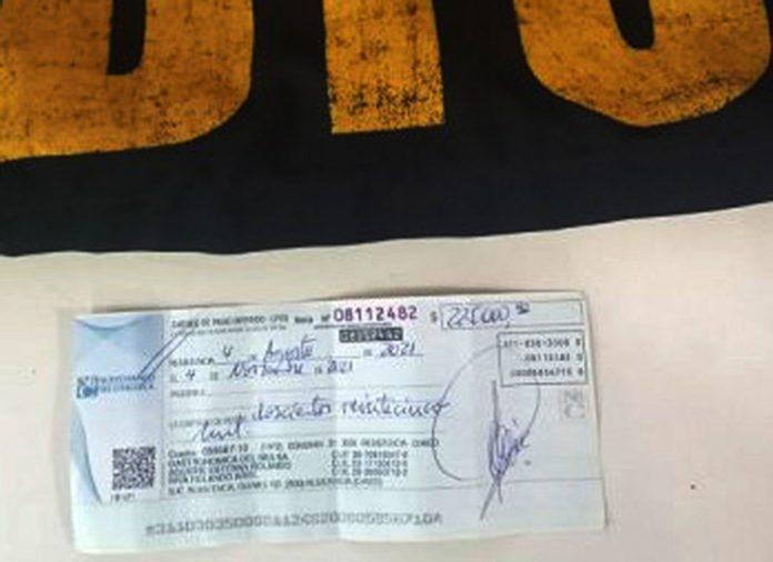 Fue detenido cuando  intentaba vender un cheque robado de $225.000 por Facebook